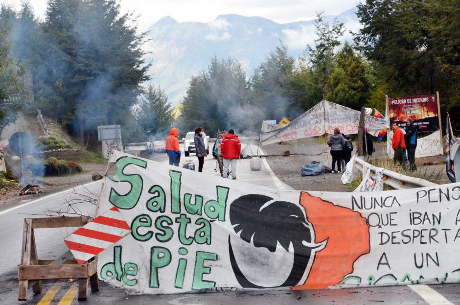 Autoconvocados liberan la ruta 40 en Villa la Angostura