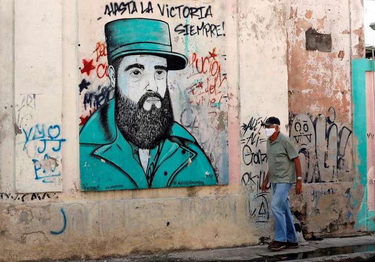 """La UE le pidió a la dictadura cubana """"evitar la violencia"""" y que impulse """"un diálogo para solucionar los problemas"""" de la isla"""