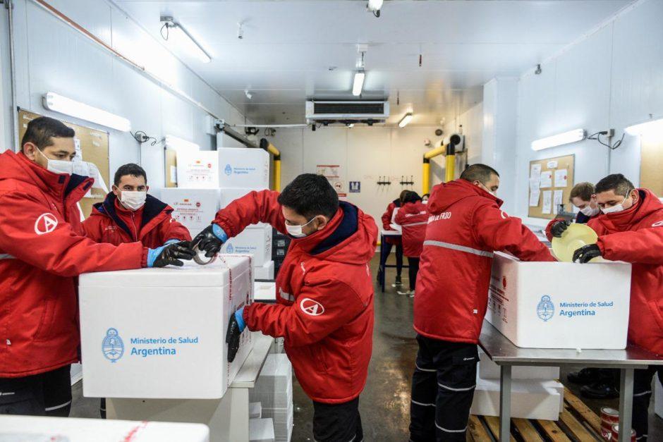 Plan de vacunación : Neuquén recibe 9.600 dosis del componente 1 de la vacuna Sputnik V