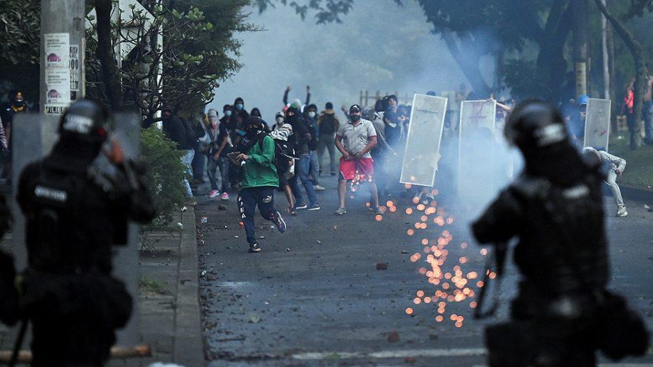 Multitudinarias protestas en Colombia