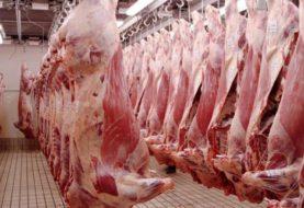 El consumo interno de carne en Abril  fue el más bajo en los últimos 100 años, según la Cámara de la Industria y Comercio de Carnes y Derivados de la Argentina.