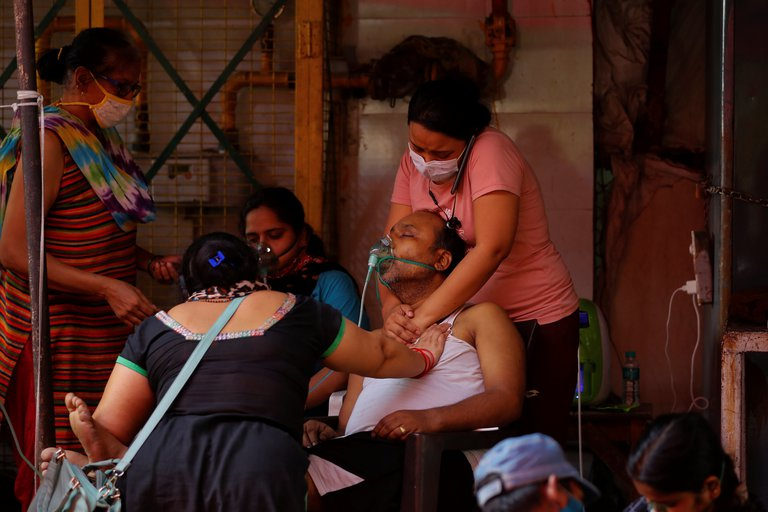 India superó por primera vez los 400.000 casos de coronavirus en tan solo 24 horas, lo que significa un nuevo récord de contagios