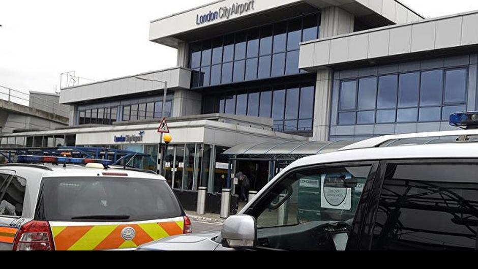 Ciudadanos de la UE están siendo detenidos y expulsados cuando llegan al Reino Unido