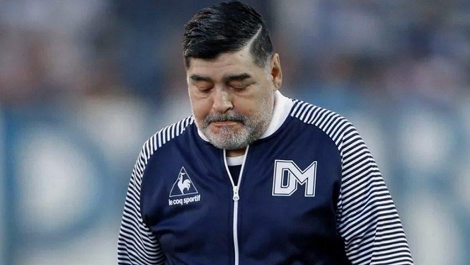 """CONCLUSIONES DE LA JUNTA MÉDICA –   Maradona agonizó 12 horas y los médicos fueron """"indiferentes"""" a su posible muerte"""