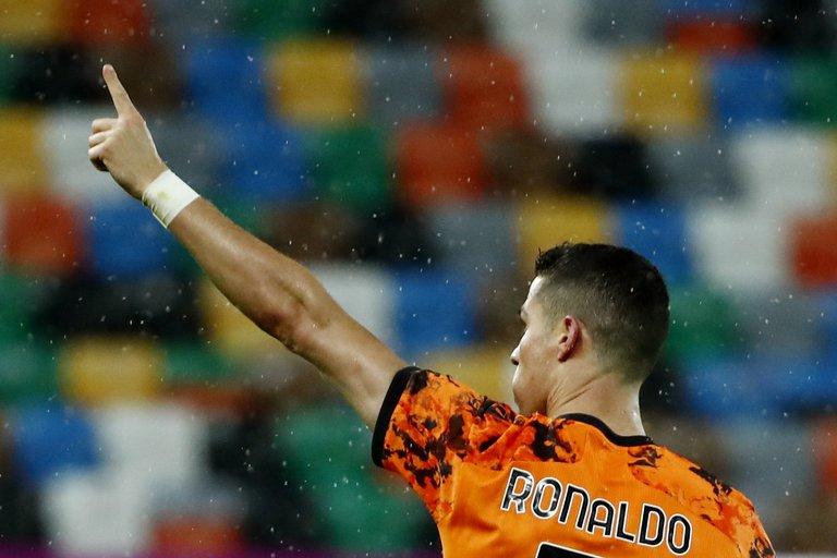 Cristiano Ronaldo salvó a la Juventus de la catástrofe: marcó dos goles sobre el final y metió al equipo en zona de Champions