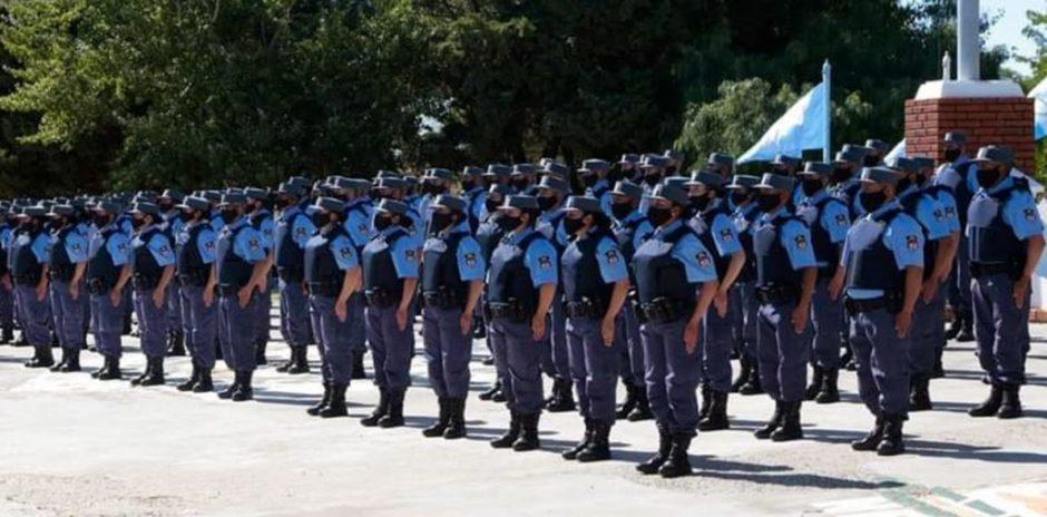 Compran uniformes para la Policía provincial