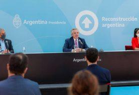 Fernández encabezó el lanzamiento de un plan destinado a la construcción y entrega de viviendas para mayores de 60 años