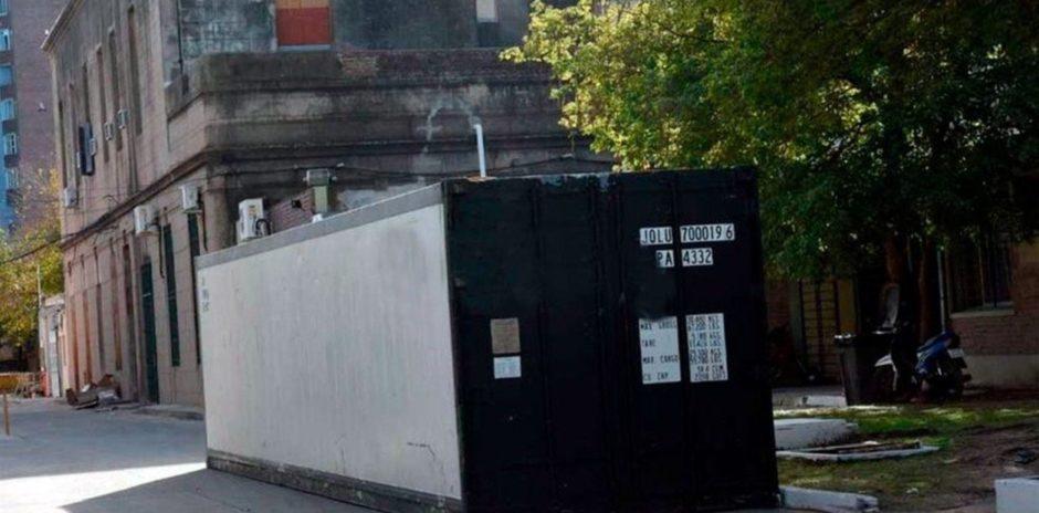 Un hospital de Santa Fe instaló una cámara frigorífica ante el posible colapso de la morgue