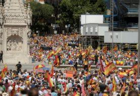 Miles de personas se manifiestan en Madrid en contra de los posibles indultos a los separatistas catalanes