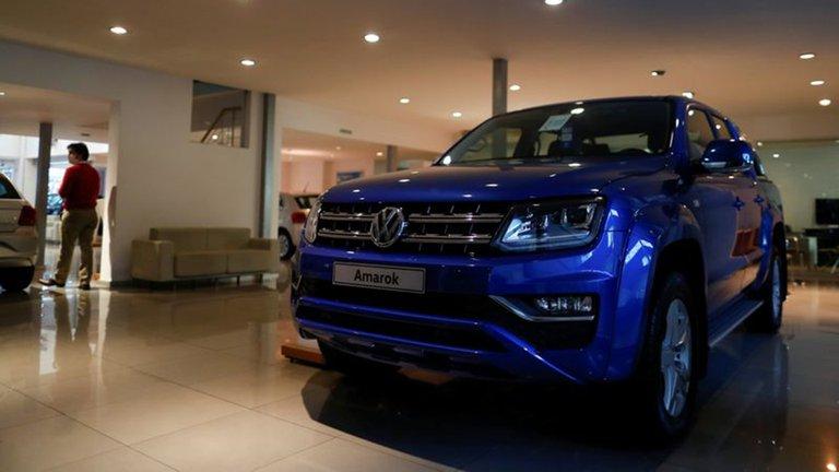 Comienzan a regir desde hoy los cambios en el impuesto interno a los autos 0 km más caros: cuánto subirán los precios