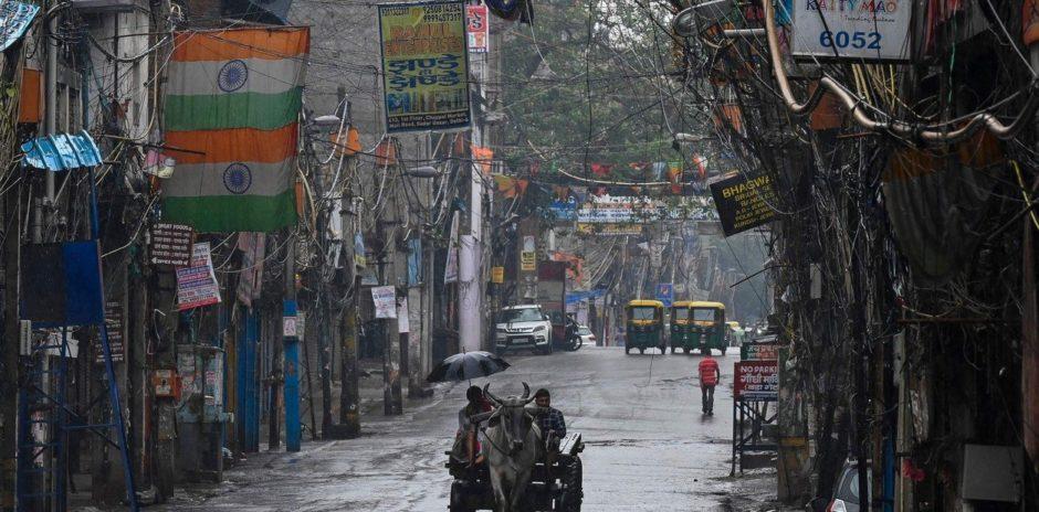 Delhi relajará las restricciones mientras India continúa con un descenso de casos de coronavirus