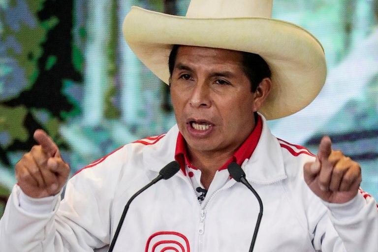 """Pedro Castillo agradeció a sus votantes por """"su vigilia para recuperar la patria"""" mientras el escrutinio en Perú se acerca a su fin"""