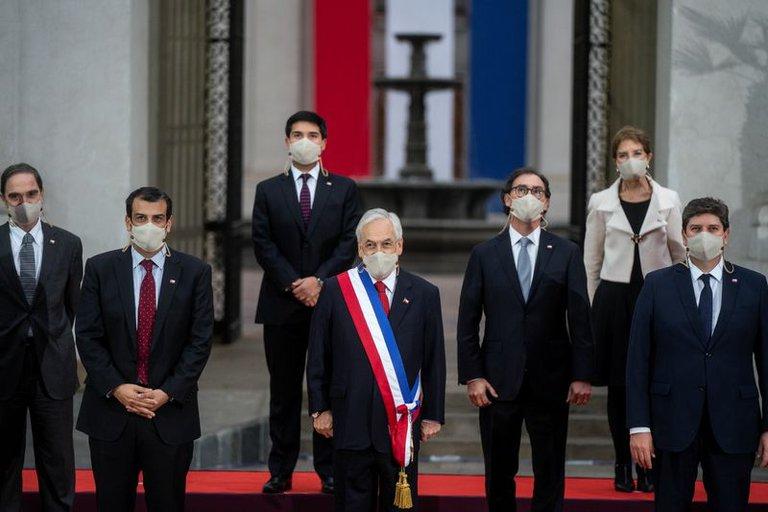 La derecha chilena, en su peor momento: ganó apenas 1 de 16 gobernaciones y hay un fuerte debate interno sobre su futuro
