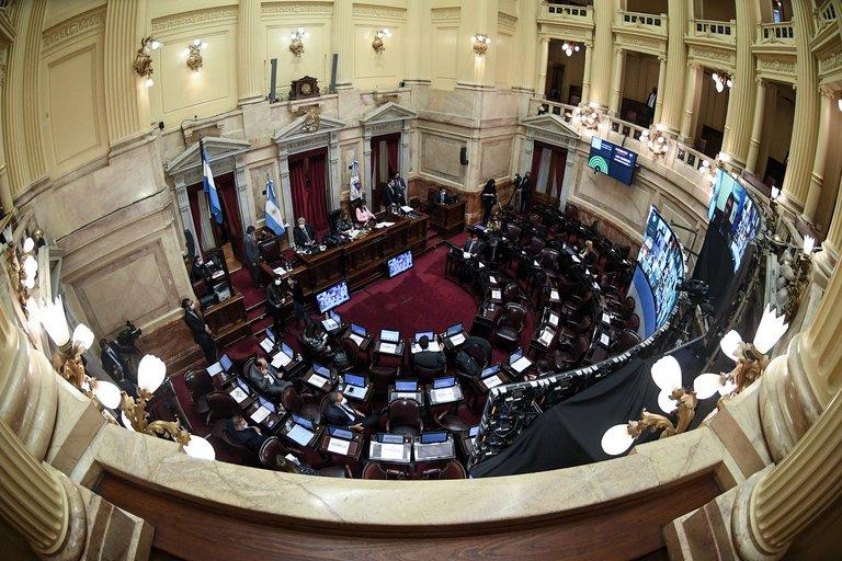 El Senado convirtió en ley los cambios al Monotributo y a Bienes Personales, y dió media sanción a la ley que regula la producción industrial de cannabis