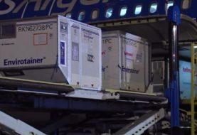 El Gobierno prepara 10 vuelos a China para buscar 8 millones de dosis de Sinopharm durante julio: despegaría un avión por día