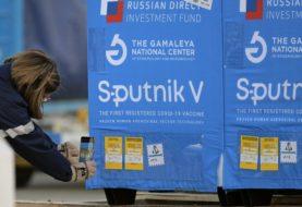 """Rusia asegura que su vacuna Sputnik V es """"la más eficaz"""" contra la agresiva variante Delta del coronavirus"""