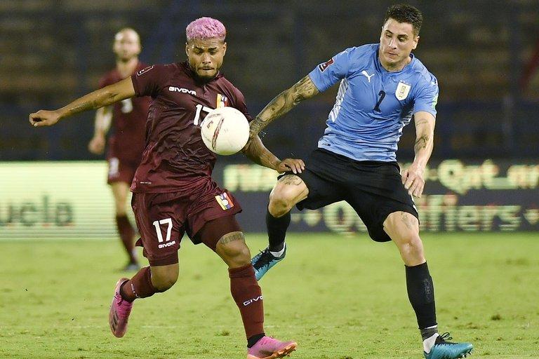 Lejos de su mejor nivel, Uruguay empató ante Venezuela en las Eliminatorias