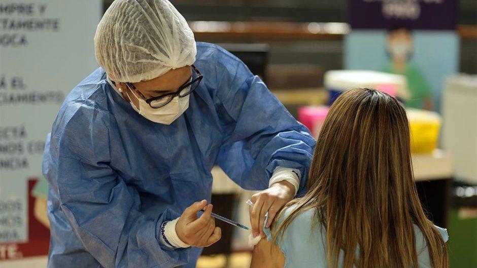 Más de 16 millones de personas esperan completar el plan de vacunación en Argentina