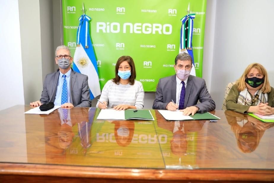 Gobierno Provincial y el STJ firman convenio para llevar la mediación de conflictos a las escuelas