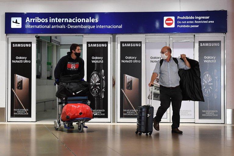 Agencias temen más restricciones por incumplimiento de cuarentenas