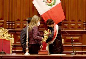 """Pedro Castillo asumió como presidente de Perú: """"No proponemos estatizar la economía, es falso que queramos expropiar"""""""