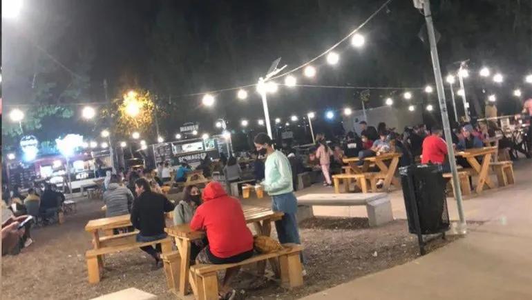 La ciudad de Neuquén extiende el horario de atención en bares y restaurantes