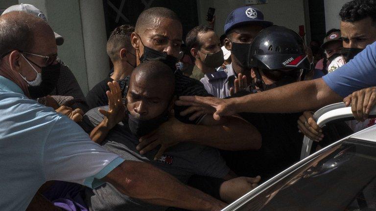 Represión en Cuba: un hombre fue asesinado por la dictadura castrista durante las protestas