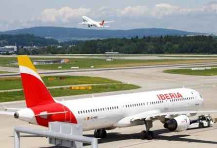 La Justicia le ordenó a una aerolínea que le dé prioridad a un argentino de 14 años que quedó varado en España para que regrese al país