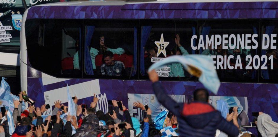 Una multitud recibió a la selección argentina tras ganar la Copa América