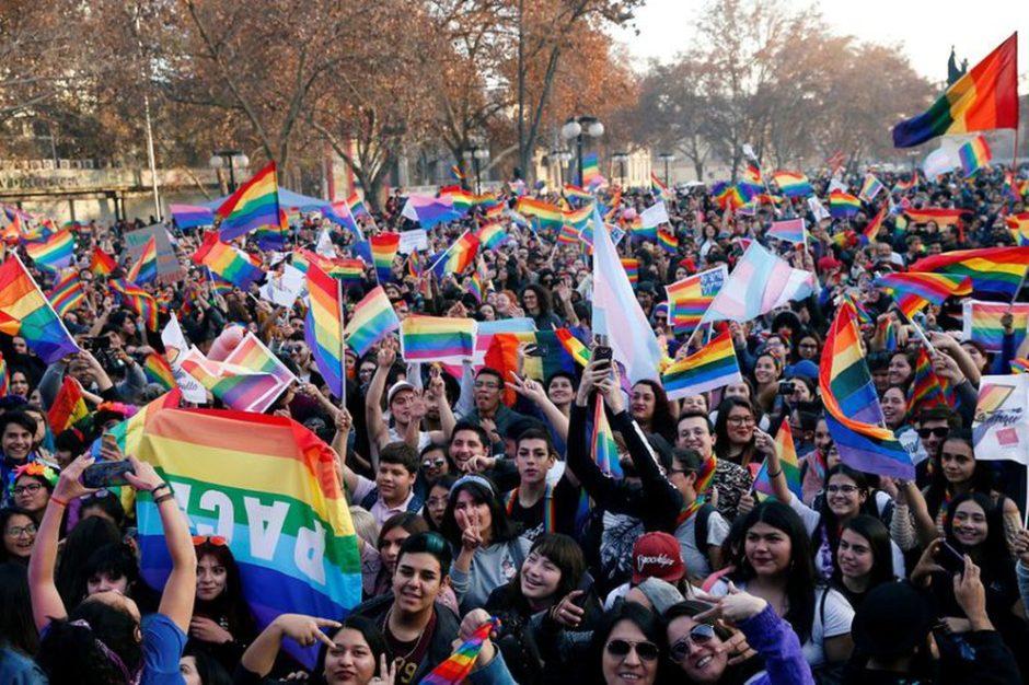 El Senado de Chile aprobó el matrimonio igualitario, que aún debe pasar por Diputados