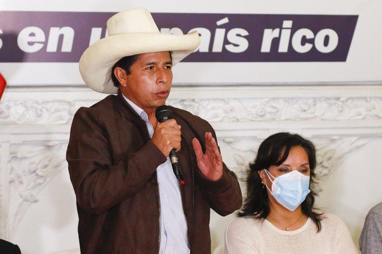 """Pedro Castillo aseguró que planifica un gabinete con representación de """"todas las tiendas políticas"""" para superar las divisiones en Perú"""