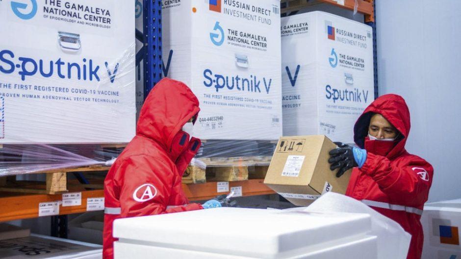 Llegó un cargamento del componente 2 de la Sputnik para producir más de 750 mil dosis