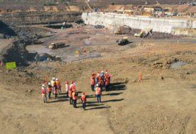 A pesar de la bajante del Río Paraná, continúa la obra de maquinización del brazo Aña Cuá en la hidroeléctrica Yacyretá