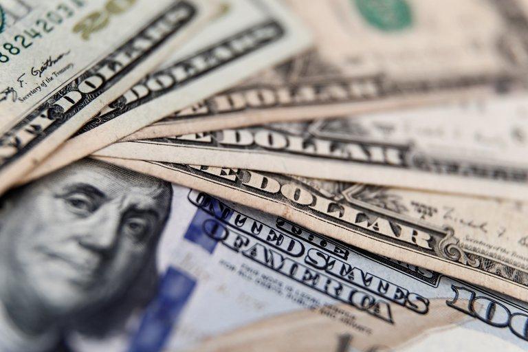 El dólar libre recuperó terreno y cerró a $182,50 luego de la baja post-PASO