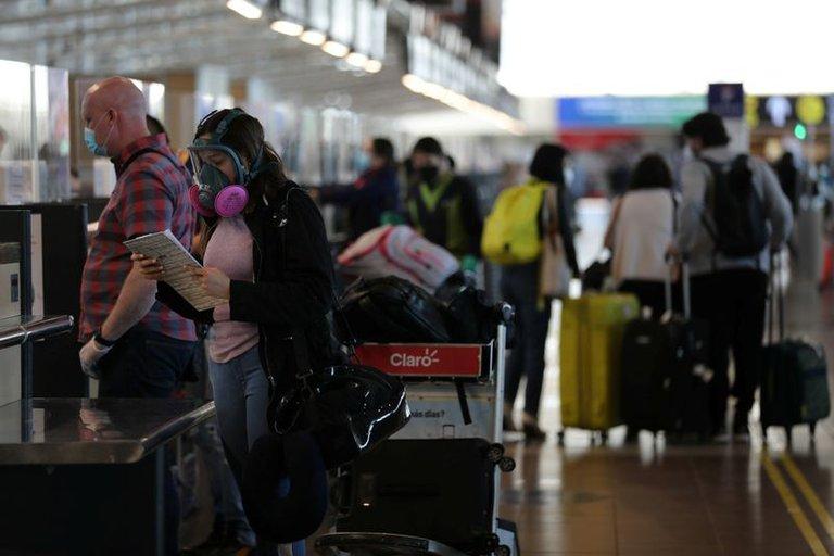 Chile abrirá sus fronteras a extranjeros que tengan vacunas validadas por su gobierno y cumplan otros requisitos