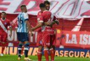 Argentinos ganó 2-0 y profundizó la crisis en Racing