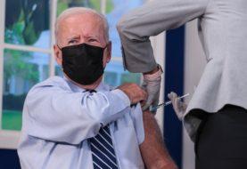 Joe Biden recibió su tercera dosis de la vacuna contra el Covid-19