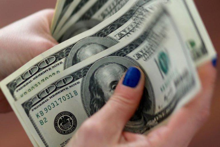 El dólar libre subió a $185 ante expectativas de un creciente gasto público
