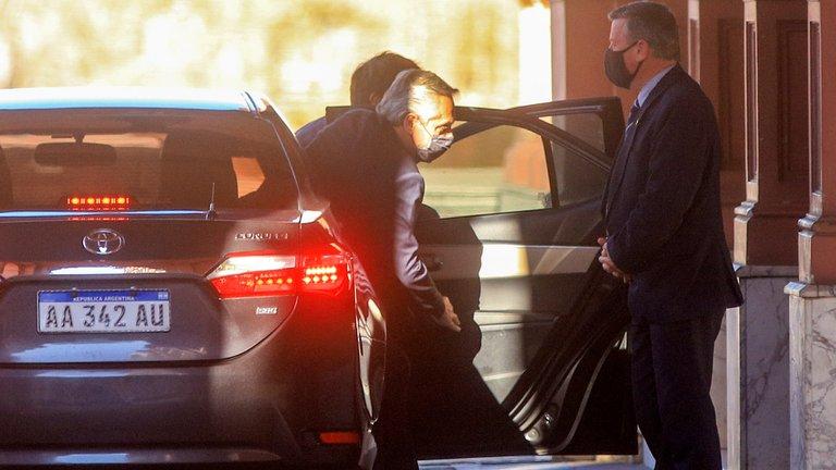 Alberto Fernández resiste la embestida de Cristina Kirchner y por ahora no hará cambios en su Gabinete