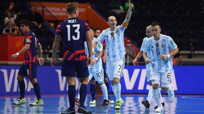 Argentina inició su defensa del título en el mundial de futsal con una actuación aplastante: goleó 11-0 a Estados Unidos