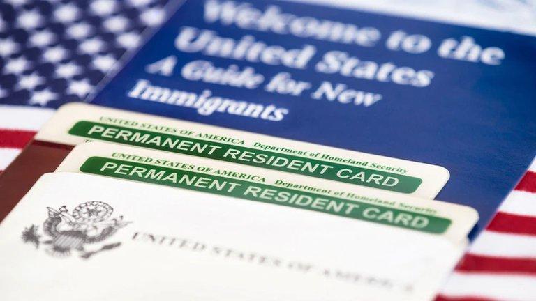 Estados Unidos requerirá a todos los nuevos inmigrantes estar vacunados contra el COVID-19