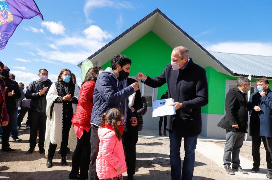 Jacobacci estrenó gas, agua y viviendas