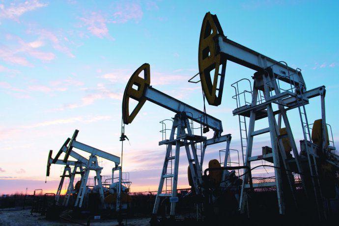 El precio del Petróleo cerca de máximos en tres años por temor a la escasez