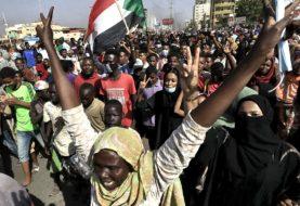 Las FFAA de Sudán arrestaron al premier para formar un nuevo Gobierno